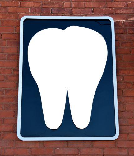 ¿No será que ya soy demasiado mayor para recibir implantes dentales de zirconio?